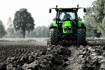 Traktory DEUTZ-FAHR řady 5: elegantní a úsporné